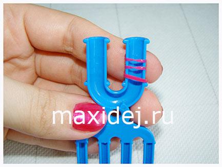 плетение кольца из резинок