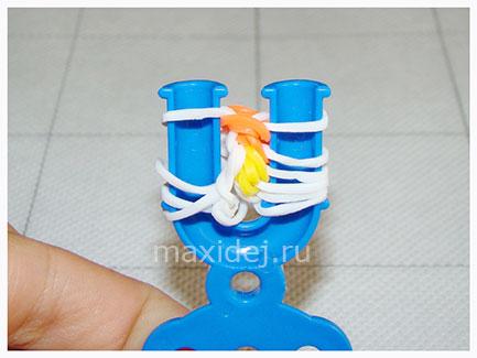 braslet-iz-rezinok-konfeta-na-rogatke18