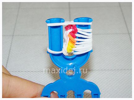 braslet-iz-rezinok-konfeta-na-rogatke22
