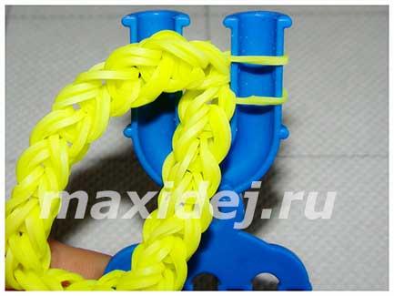 плетение буквы о из резинок